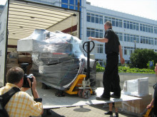 Delivery of the NanoSIMS.